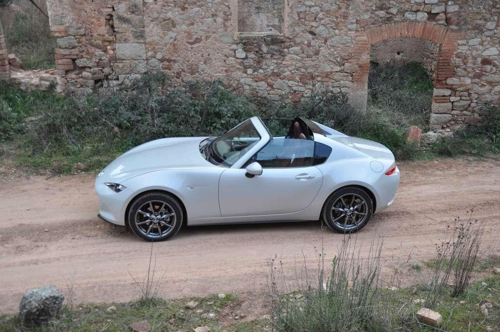 mazda mx 5 rf troch cabrio troch coupe. Black Bedroom Furniture Sets. Home Design Ideas