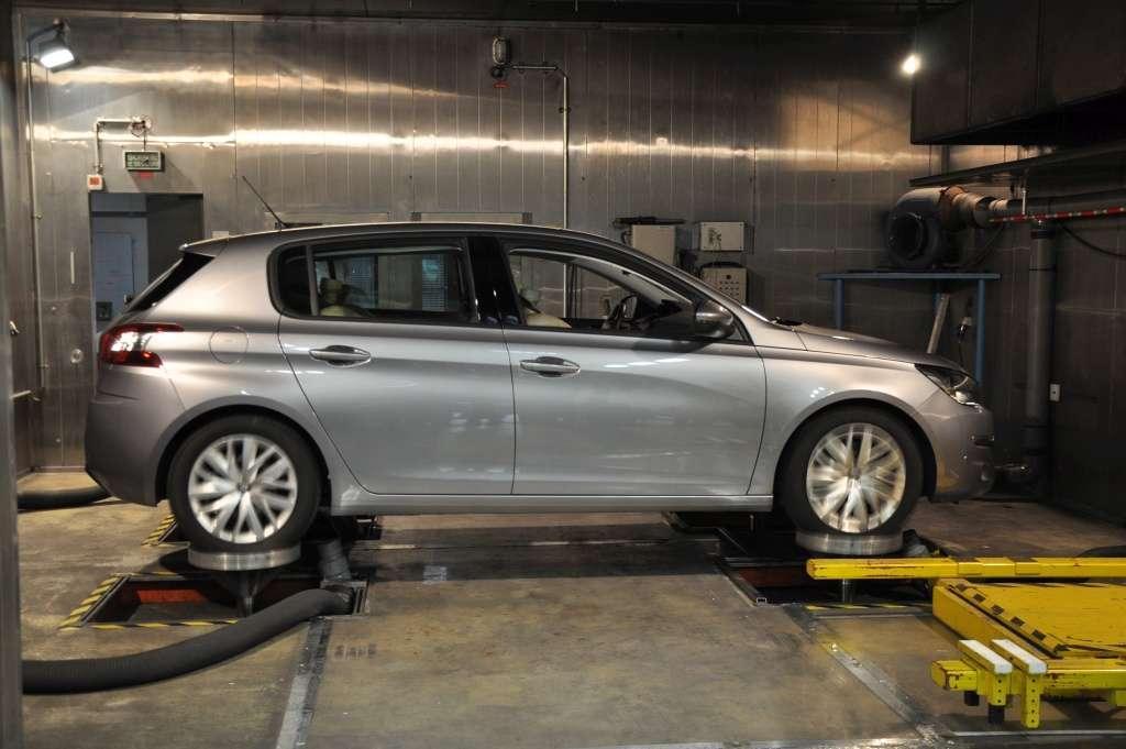 Nowoczesna architektura Używany Peugeot 308 - nowa jakość lwa • AutoCentrum.pl OL57
