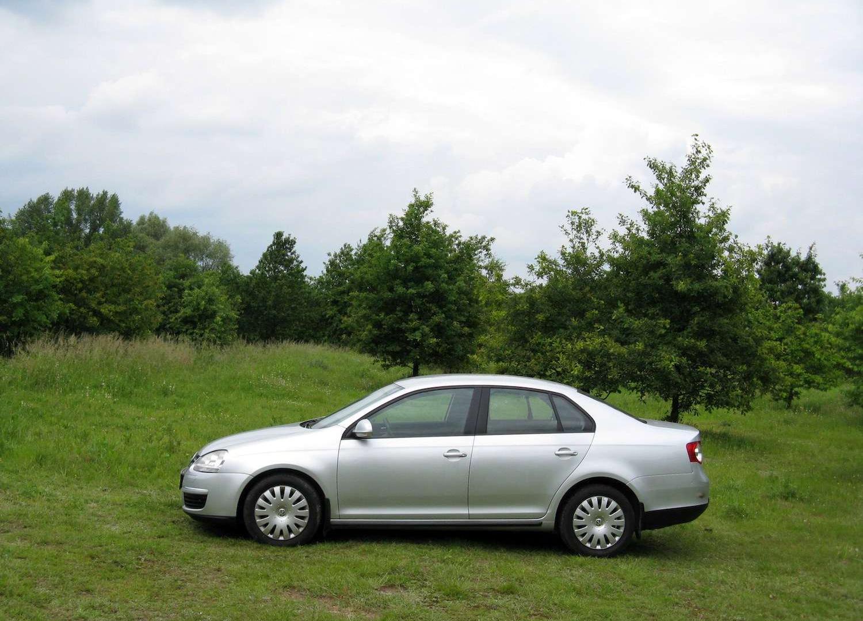 VW Jetta V - gdy Golf za mały • AutoCentrum.pl