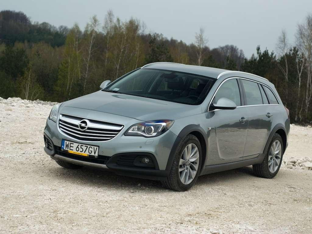 opel insignia country tourer do miasta i na bezdro a. Black Bedroom Furniture Sets. Home Design Ideas