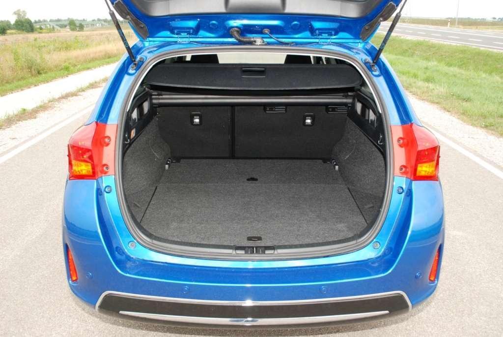 Toyota Auris 1.6 Valvematic - wyczekiwana przez rynek ...