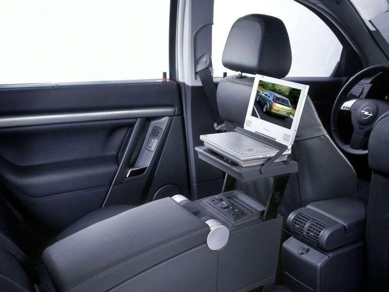 Inne rodzaje Auto, które trzeba prowadzić z tylnej kanapy - Opel Signum CA07