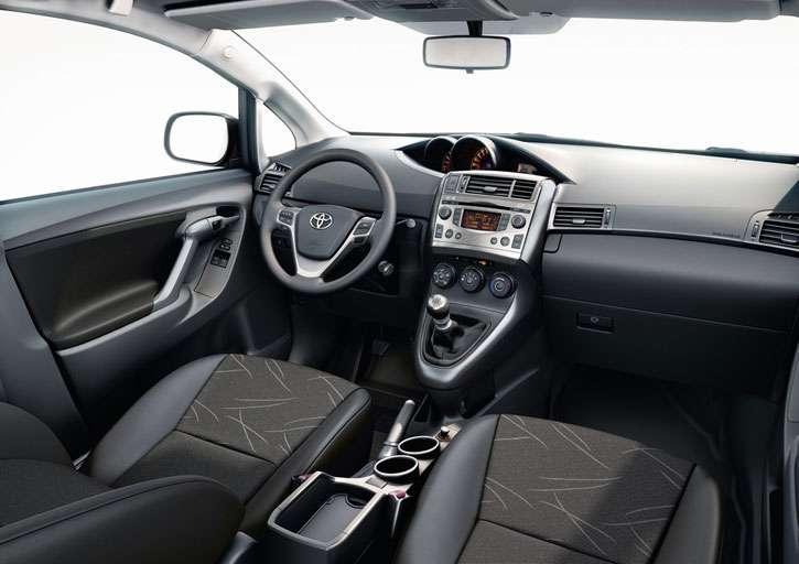Nowa Toyota Corolla Verso • AutoCentrum.pl