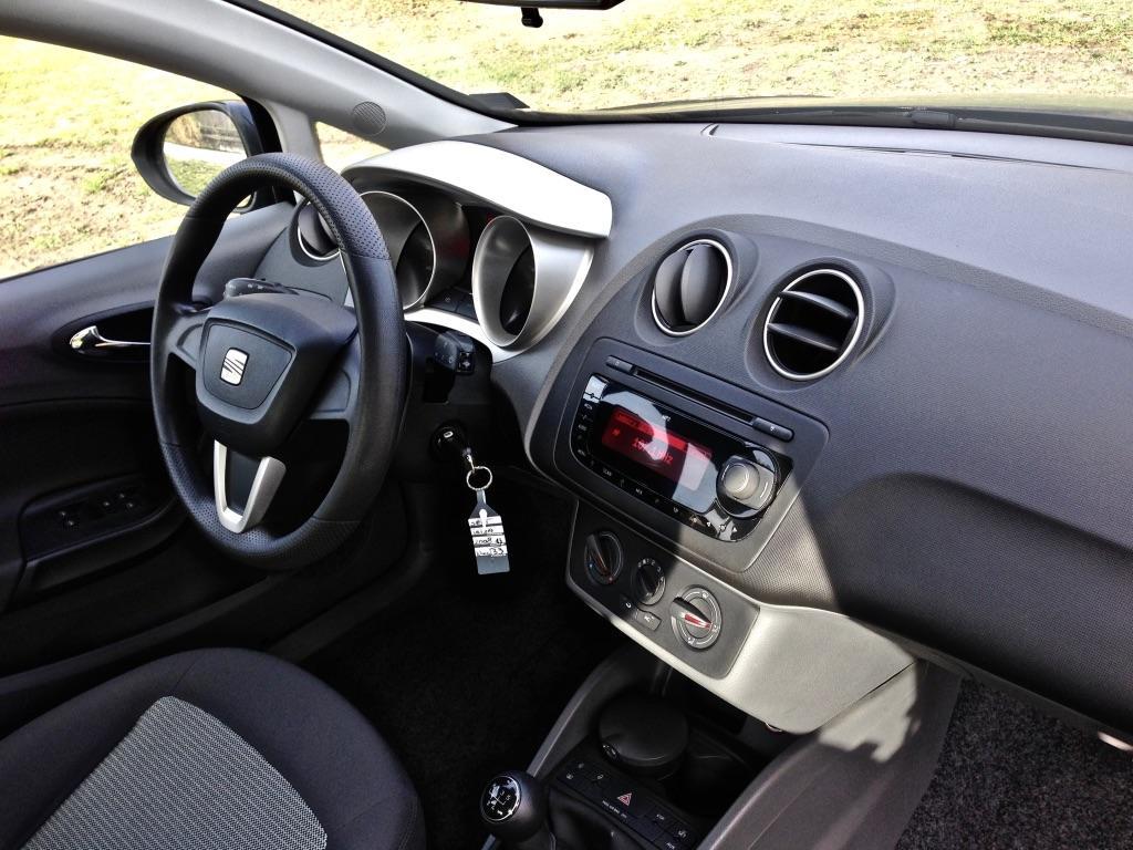 Wspaniały Seat Ibiza IV – bez pomysłu, ale z polotem • AutoCentrum.pl PC26