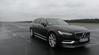 Volvo V90 D5 Inscription – atak z Północy