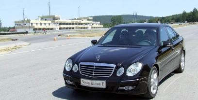 Mercedes Klasa E W211 Sedan W211 3.5 4Matic 272KM 200kW 2004-2009