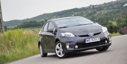 Toyota Prius III Hatchback Facelifting 1.8 HSD 136KM 100kW 2011-2016