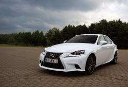 Lexus IS III Sedan 200t 245 KM 180 kW - Oceń swoje auto
