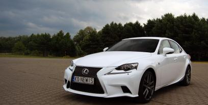Lexus IS III Sedan 300h 223KM 164kW 2013-2016