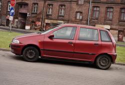 Raport spalania Fiat Punto - zużycie paliwa • AutoCentrum.pl on fiat 500 abarth, fiat multipla, fiat cinquecento, fiat 500 turbo, fiat bravo, fiat spider, fiat doblo, fiat marea, fiat cars, fiat coupe, fiat panda, fiat 500l, fiat ritmo, fiat barchetta, fiat seicento, fiat x1/9, fiat stilo, fiat linea,