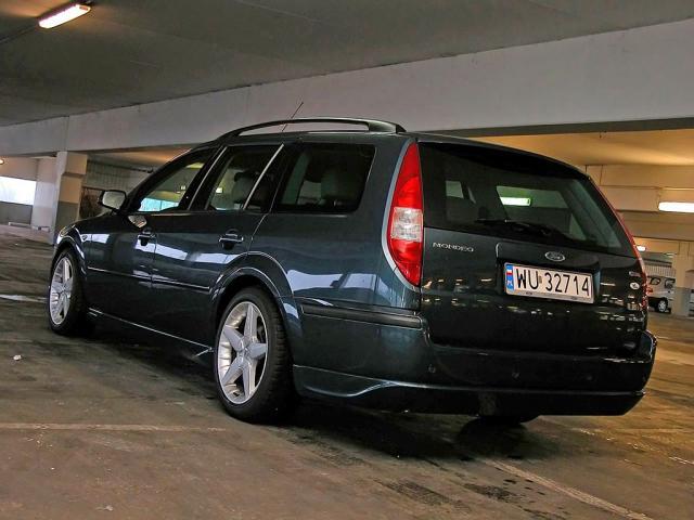 Tylko na zewnątrz Ford Mondeo III Kombi • Dane techniczne • AutoCentrum.pl AQ44