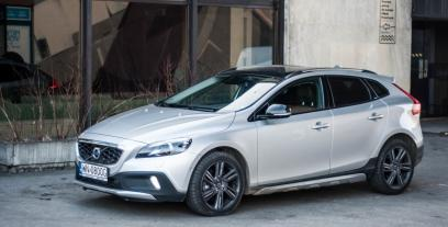 Volvo V40 II Cross Country 2.0 D4 DRIVE-E 190KM 140kW od 2014