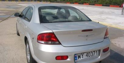 Chrysler Sebring II Sedan 2.4 i 16V 152KM 112kW 2001-2006