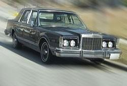 Lincoln Continental V 5.8 193KM 142kW 1980-1981
