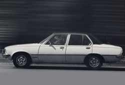 Opel Commodore B Sedan 2.8 GS/E 160KM 118kW 1972-1975