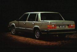 Volvo 760 Sedan 2.3 Turbo 177KM 130kW 1982-1984