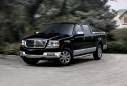 Lincoln Mark LT 5.4 i V8 24V AWD 304KM 224kW 2004-2008