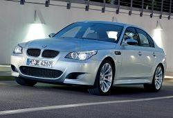 BMW Seria 5 E60 M5 Sedan 5.0 V10 507KM 373kW 2005-2010