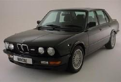 BMW Seria 5 E28 M5 Sedan 3.5 286KM 210kW 1985-1987