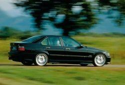 BMW Seria 3 E36 M3 Sedan 3.2 R6 321KM 236kW 1995-1999