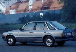 Ford Escort III Hatchback 1.6 90KM 66kW 1985-1986