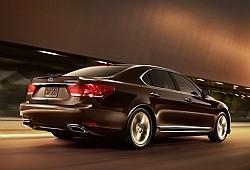 Lexus LS IV Sedan L Facelifting 600h 394KM 290kW 2012-2016