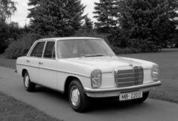 Mercedes Strich 8 I Sedan W114 2.5 130 KM 96 kW