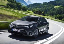 Toyota Avensis III Sedan Facelifting 2015