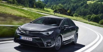 Toyota Avensis III Sedan Facelifting 2015 1.6 Valvematic 132KM 97kW 2015-2018