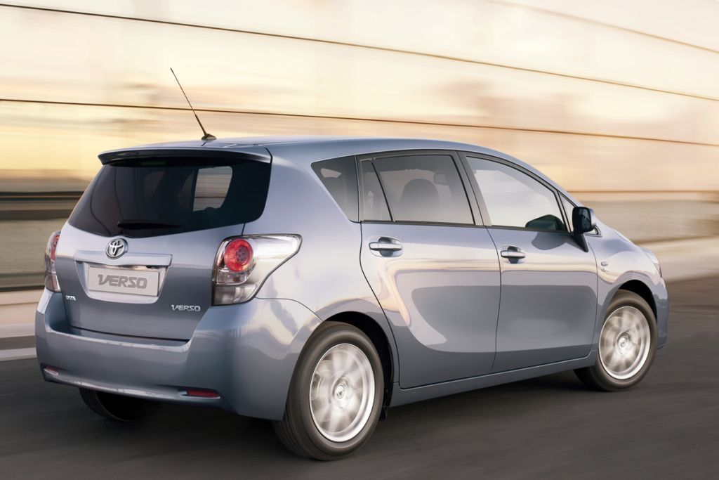 Продажа подержанных автомобилей Toyota с пробегом - купить ...