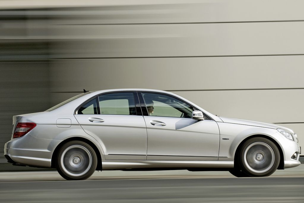 Mercedes klasa c blueefficiency galerie prasowe for Benz sport katalog