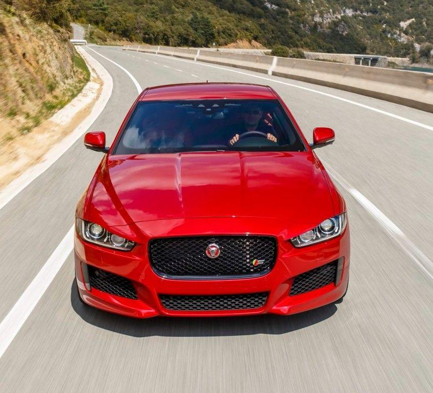 Jaguar XE S Italian Racing Red (2015) - Galerie prasowe - Galeria • AutoCentrum.pl