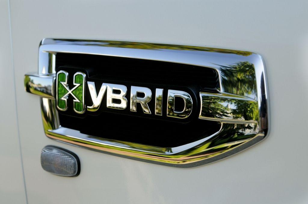cadillac escalade dane techniczne with Cadillac Escalade Hybrid 2012 on Cadillac Escalade Hybrid 2012 moreover 20 Najpopularniejszych Aut Zza Oceanu furthermore Duze further Duze Zdjecie together with Zdjecie 3.