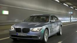 BMW Seria 7 F01 Sedan 740d 306KM 225kW 2010-2012
