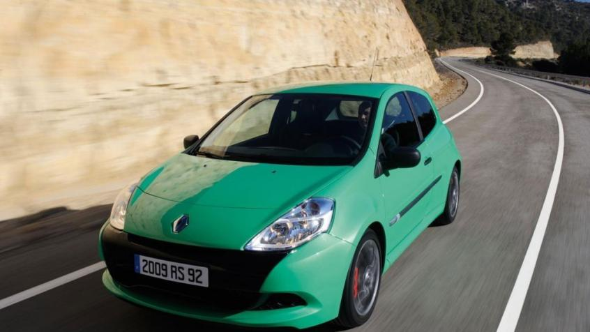 Renault Clio Iii Sport 2 0 I 16v 197km 2006-2012