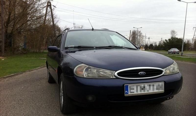 Ford Mondeo II Hatchback