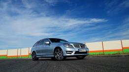 Mercedes Klasa C W204 Kombi T204 Facelifting 180 BlueEFFICIENCY 156KM - galeria redakcyjna - widok z