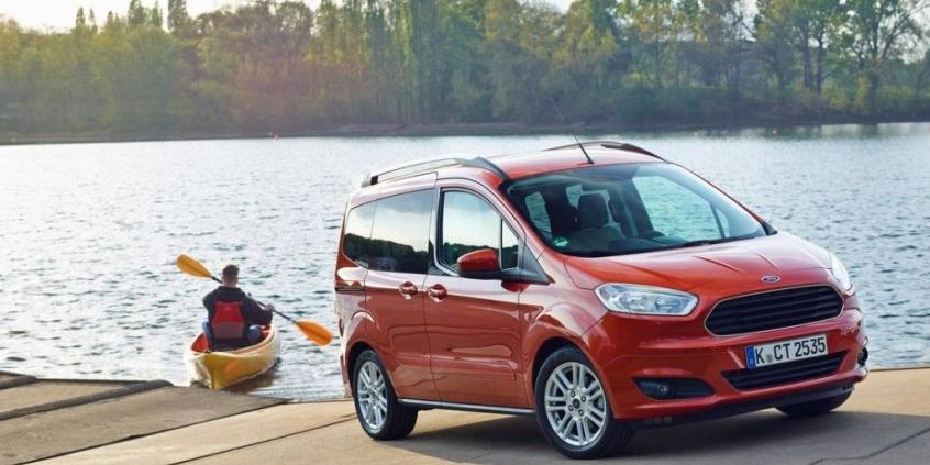 Ford Tourneo Courier (2013)