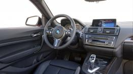 BMW M235i Coupe (2014) - kokpit