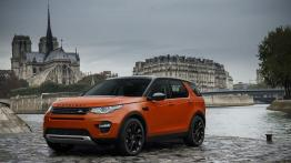 Land Rover Discovery Sport HSE Luxury w Paryżu