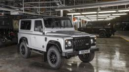 Land Rover Defender 2,000,000 (2015)