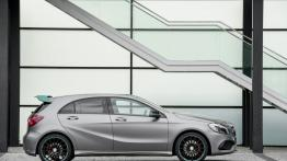Mercedes A 250 Motorsport Edition (W 176 Facelifting) 2016 - prawy bok