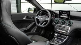 Mercedes A 250 Motorsport Edition (W 176 Facelifting) 2016 - kokpit