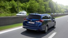 Toyota Auris II Touring Sports Facelifting (2015) - widok z tyłu