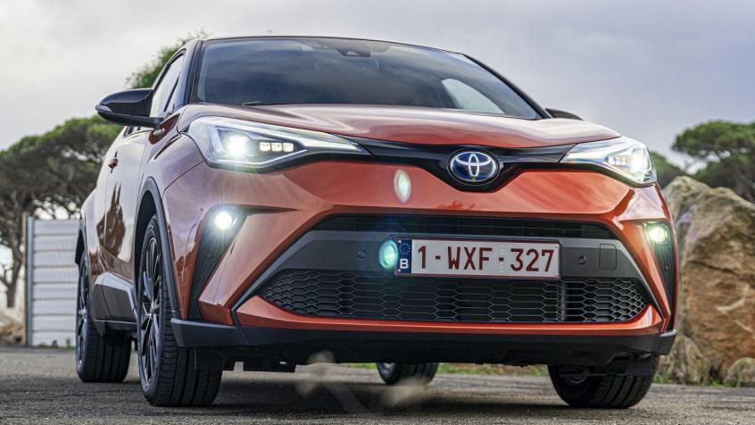 Toyota C-HR Crossover Facelifting