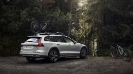 Volvo V60 Cross Country – czy da radę SUV-om i crossoverom?