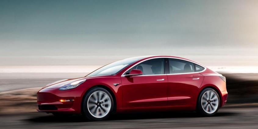 Tesla Model 3 celuje w BMW M3 • AutoCentrum.pl